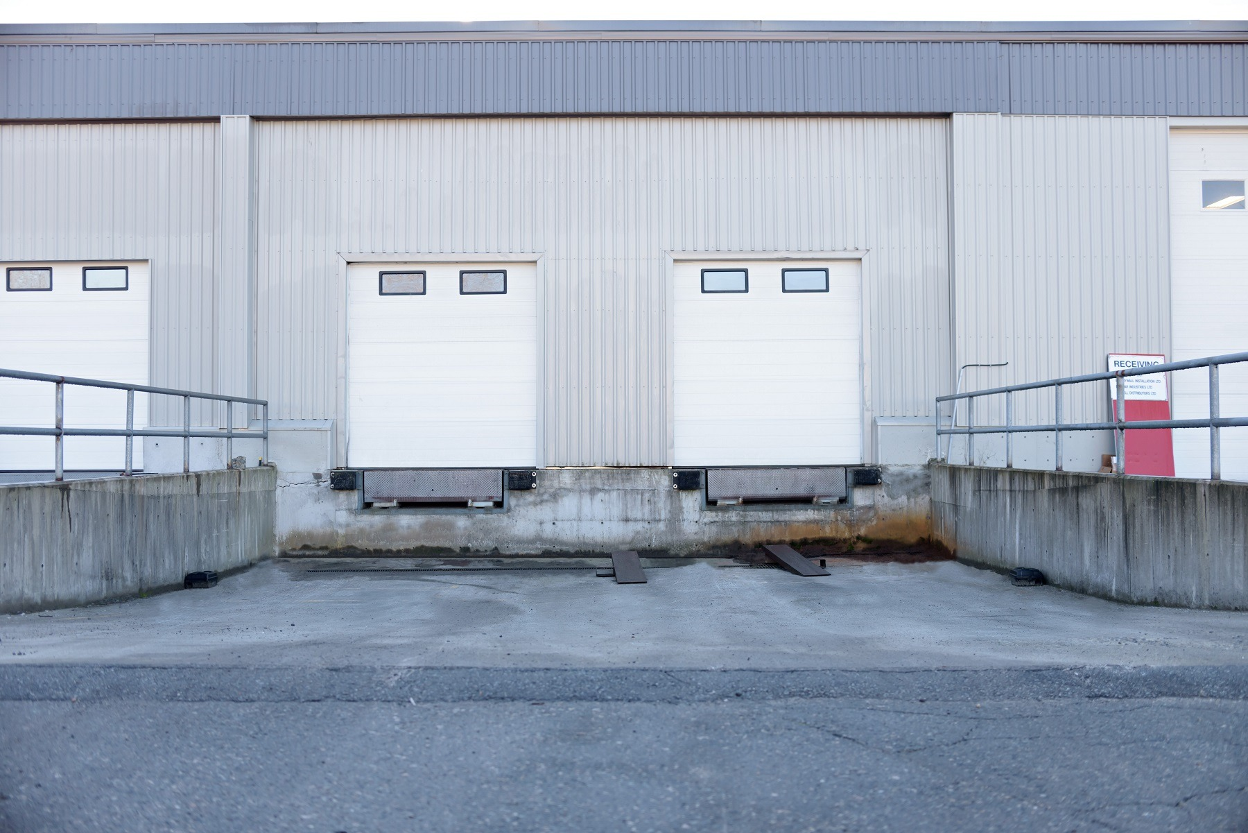 surrey small bay warehouse rental