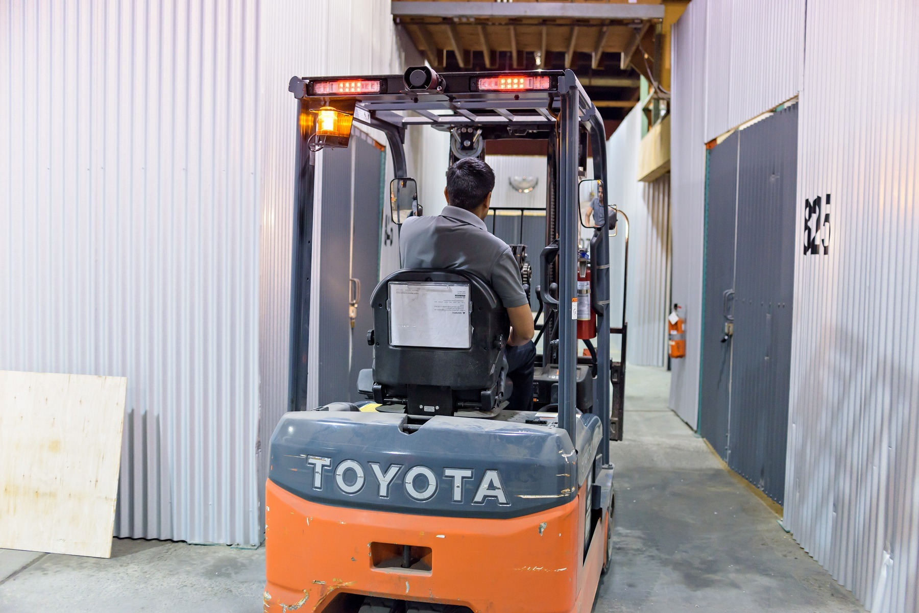 surrey warehouse rental with forklift