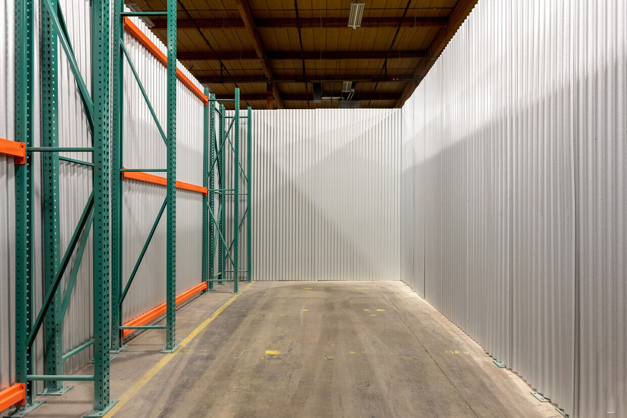 Small warehouse space for rent Portland, OR